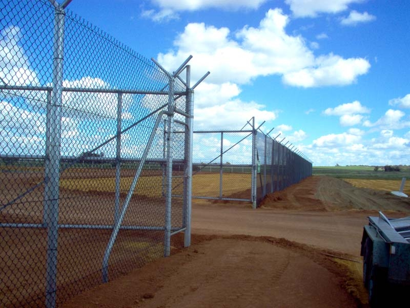 HDG chain link fencing