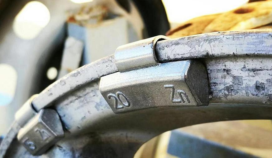 Zn clip-on wheel weight for alloy rim 1