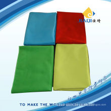 Tissu bleu teint blanc