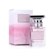 Light Sweet Smell Perfume for Women with Nice Bottle
