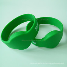 Pulseira de silicone MIFARE RFID para piscinas e parques aquáticos