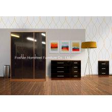 3 Piece New Trio Ensemble de meubles de chambre à haute luminosité poitrine, à côté, 3 portes, armoire