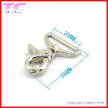 Crochet pivotant en métal moulé existant