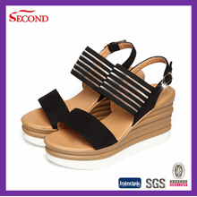 Sandálias de cor preta mulheres cunha