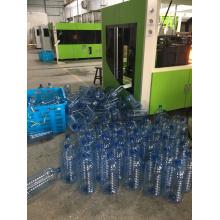Máquina sopradora de moldagem para garrafas de bebidas plásticas