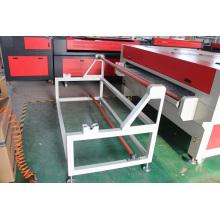 Découpage automatique de laser de découpeuse de laser de tissu de l'usine Chine