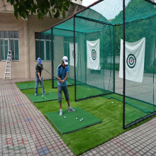 Green Golf Training Net golpeando la jaula