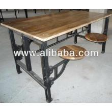 Table en fonte industrielle