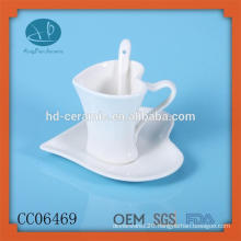 drinkware type porcelain coffee cup and saucer with spoon,,hot selling heart shape ceramic cup and saucer