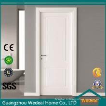 Настроить белые внутренние деревянные двери спальни