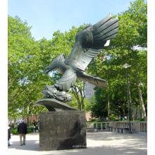 Escultura de águia de latão fundido de alta qualidade