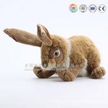 Juguete peluche liebre amarillo marrón y gris y conejo felpa