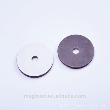 Personalizado buraco perfurado borracha flexível com adesivo