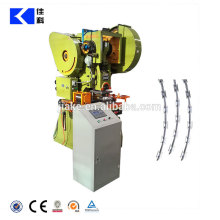 Razor blade barbed wire making machine