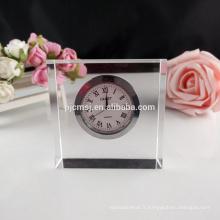 Petite horloge de bureau en cristal clair pour cadeau d'affaires et décoration