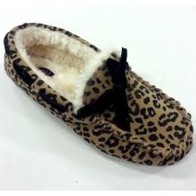 Woman's Warm Moccasin Schuhe mit Leopard Print