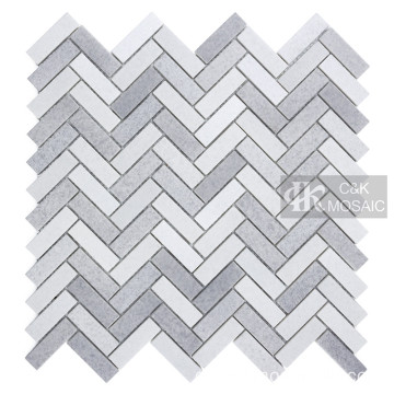 Grey Glass Mosaic Tile Backsplash Fischgrätenmuster