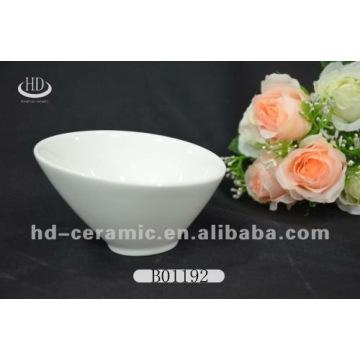 Weiße Porzellan-Eisschale