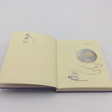 Cuaderno de dibujos animados simple lindo de papel