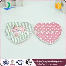 Placa de cerâmica de alta qualidade coração forma com patten fresco