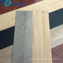 Piso colorido del vinilo del PVC de los nuevos diseños populares con la parte posterior seca