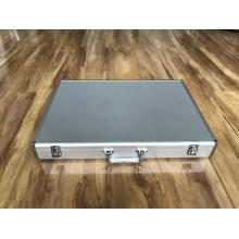 Алюминиевые ящики для инструментов с белой панелью