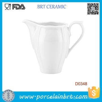 Jarra de agua de cerámica blanca de estilo occidental