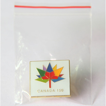 Custom Canadian Brooches Pin dengan Bunga
