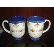 Taza pintada a mano de cerámica vidriada