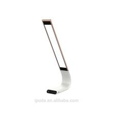 Lámpara de aluminio caliente del producto Precio de fábrica Lámpara de mesa blanca clásica de la sombra de la tela