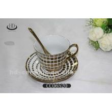 Goldrand Keramik Kaffeetasse und Untertasse