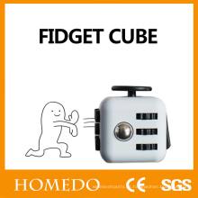 Anxiety Stress Relief Focus Presente de 6 lados para adultos e criança Magic Fidget Cube