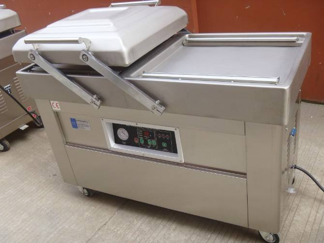 Tea Vacuum Packaging Machine1