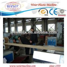 piso plástico madera WPC que hace la maquinaria