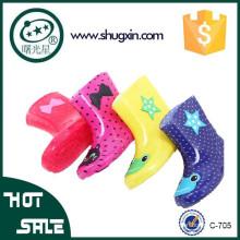Nuevas botas de lluvia para niños Niños Niños Niñas Colores de impresión Deslizamiento de nieve en los tamaños: 15-20 706