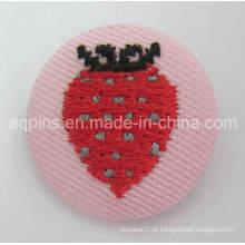 Emblema de venda quente do botão da lata com logotipo do bordado (botão badge-65)