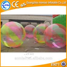 El rodillo flotante inflable del agua de la bola del agua / paseo en las bolas del agua para la venta