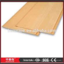 Planches de plafond en vinyle