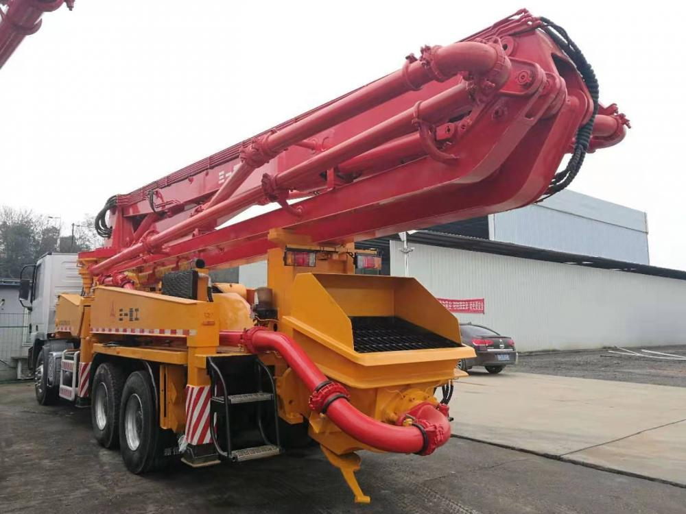 Used Concrete Pump Truck 02