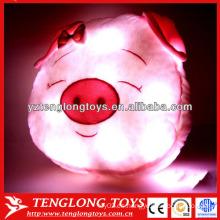 China fábrica de cerdo LED almohada coloridos brillantes llevó luz almohada