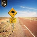 Señal de tráfico personalizada está parada señal de trabajo por delante