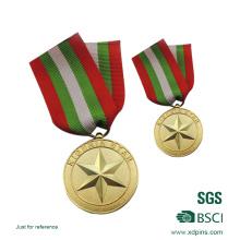 Выбитая медаль эмблема солдатом чести для сувенира