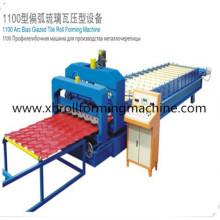 Aço Colorido Step Glazed Roofing Sheet formando máquina (XH1100)