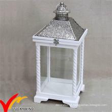 S / 2 Branco vintage antigo afligido lanterna de velas de madeira com top de metal para decoração do casamento