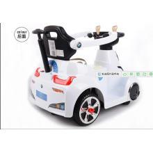 O passeio o mais novo do bebê do carro de bebê do estilo no carro