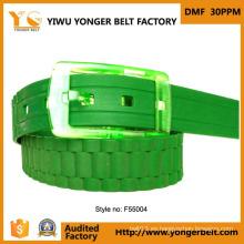 Moda Profesional OEM Cinturones de cuero con hebillas de cinturón de plástico