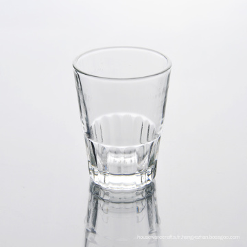 Taille standard en gros de la tasse en verre à boire