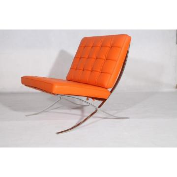 Reproduction de chaise Barcelona Pavilion en cuir orange