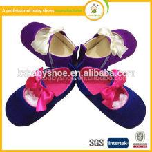 Blumen-Baby-weiche lederne Schuhe, PU-lederne Babykleidschuhe, harte alleinige Baby-gehende Schuhe