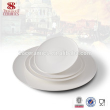 Plat en céramique blanche en os plat en gros avec toute la taille